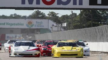 49 cars start at Sebring while Peterson and Lawrence begin title defense with victories