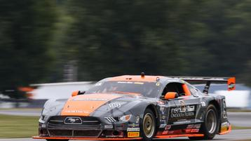 Francis prevails in shootout to win at VIR