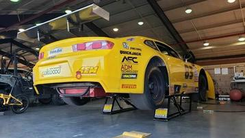 PARSONS RACING TEAMS WITH QUICKJACK FOR TRANS AM RACING SERIES